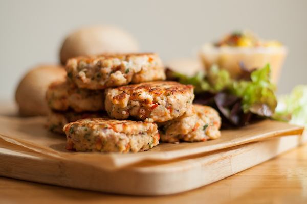 Salmon patties are a great way to use frozen salmon. Full of flavour from garlic, onion, cilantro and jalapeño.