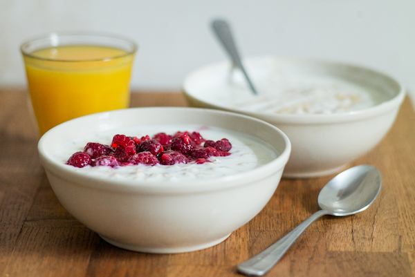 Kefir Overnight Oats - easy breakfast - overnight oats are a filling and sugar free breakfast
